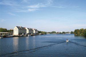Blick über den Spandauer See und Wasserstadt. © C. Bender-Saebelkampf