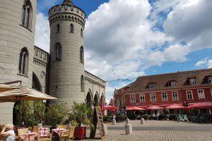 Die Innenstadt Potsdams rund ums Nauener Tor lädt zum Bummel ein. © de Vries